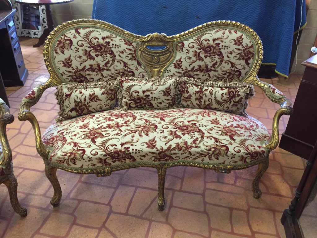 Yungaburra antique furniture