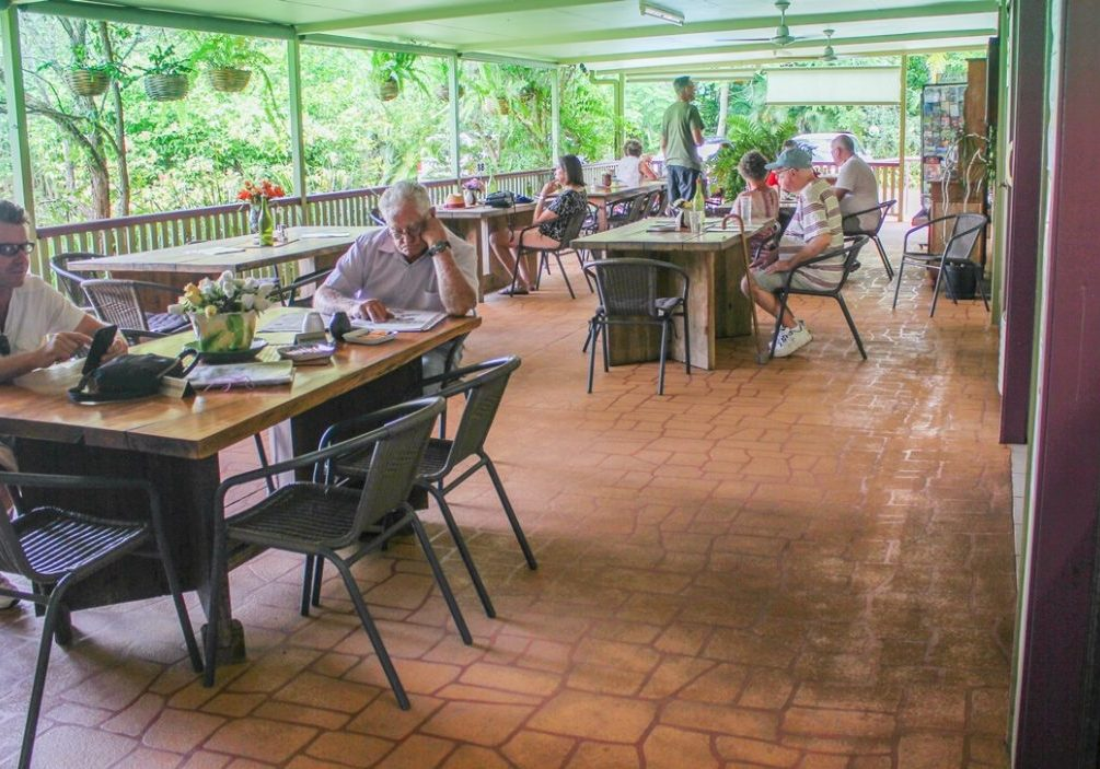 Quincan_Cottage_Cafe_near_Lake_Eacham